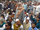 Sit-in of Muslims at Mantola against conversion