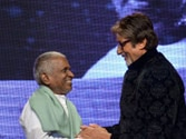 Amitabh Bachchan performs live in honour of music maestro Ilaiyaraaja