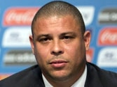Brazil's Ronaldo to attempt comeback with Strikers