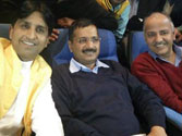 Arvind Kejriwal chills out with Akshay Kumar's Baby on Sunday