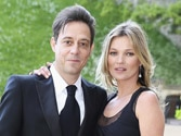 Jamie Hince to exhibit wife Kate Moss' naked pictures
