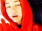 Teethfie: Miley Cyrus loses five teeth, posts pics on Instagram