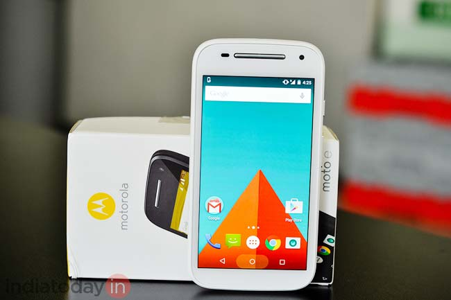 fc3cf686c99 When Motorola launched the Moto E early last year, it sort of sparked a  revolution in the budget phone market. At a time when people with a budget  of less ...
