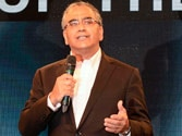India Today Group chairman Aroon Purie awarded as Editor of the Year in IAA Leadership Awards for Excellence 2015