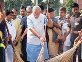 PM's pet Swachh Bharat Abhiyan losing steam