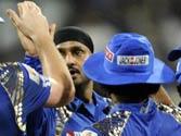 IPL 8: Mumbai beat Kolkata by five runs to keep playoff hopes alive