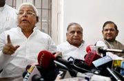 Lalu drinks poison, accepts Nitish as CM candidate