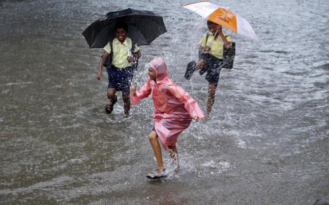 7 Things To Remember Before Daring The Mumbai Monsoons