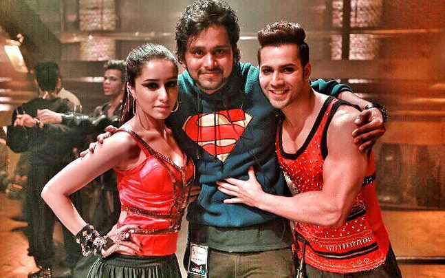 Varun Dhawan and Shraddha Kapoor with Suresh Mukund (C) of Fictitious Dance Group