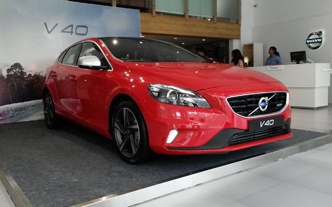 Volvo launches V40 in India - Auto News