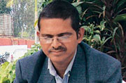 UP cops preparing ground to arrest IPS officer Amitabh Thakur in six-month-old rape case
