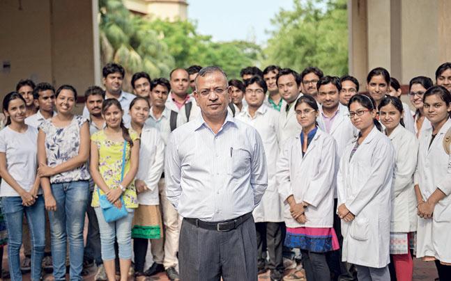 BHU Vice Chancellor Girish Chandra Tripathi with students