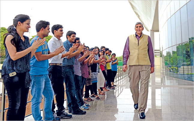 Delhi University Vice Chancellor Dinesh Singh with students