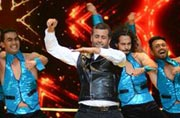 Nach Baliye 7 finale: Chetan Bhagat's performance was so bad, it was good