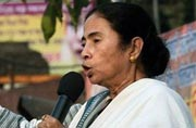 Mamata challenges BJP, CPM, Congress to defeat Trinamool in 2016 polls