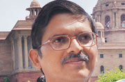 UP police preparing grounds to arrest senior IPS officer Amitabh Thakur