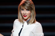 Taylor Swift sparks X-Men cameo rumours post posing with cast members