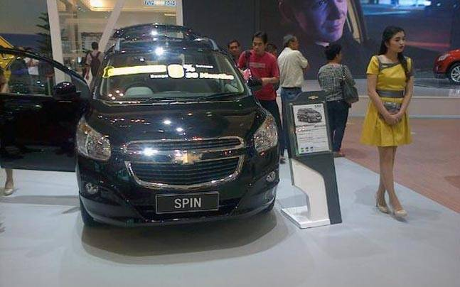Chevrolet Spin Unveiled At The Gaikindo Indonesia International Auto