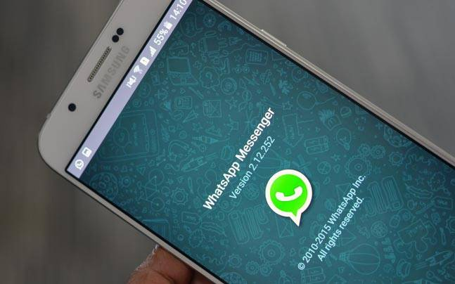 Middle finger emoji is WhatsApp's new killer feature