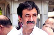 Rajkumar Hirani meets with an accident, fractures jaw