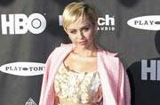 Miley Cyrus another selfie shocker after toilet pic