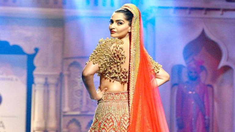 Here S Why Fashion Designers Avoid Using Bollywood Music During A Show Lifestyle News