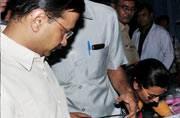 Dengue deaths: Delhi High Court seeks replies from Centre, Kejriwal govt