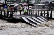 Heavy rains continue in Assam, landslides block Guwahati-Shillong road link