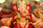 Happy Ganesh Chaturthi: Bollywood teaches you how to celebrate the birthday of the Lord Vinayak