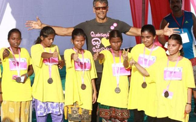 Milind Soman with Visually disable runners