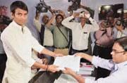 Bihar polls: Lalu's younger son is older than elder one