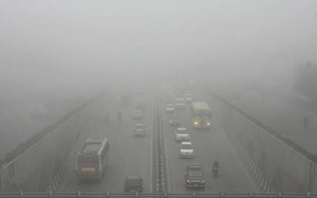 Ch Ng Delhi Vows Pollution Tax Car Free Days To Improve Air