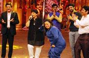 Comedy Nights Bachao: Bharti Singh does not spare even Falguni Pathak!
