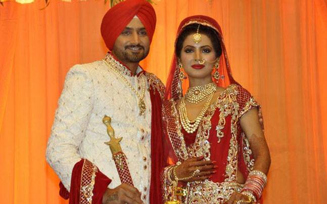 Yuvraj Kohli Shah Rukh To Attend Harbhajans Wedding Reception