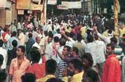 Varanasi violence: Curfew lifted, seers demand apology for lathicharge