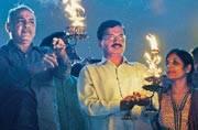 Clean Yamuna: Kejriwal does Yamuna Aarti at Gita Ghat