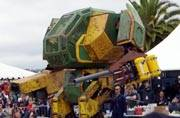 US robot challenges Japanese robot for war