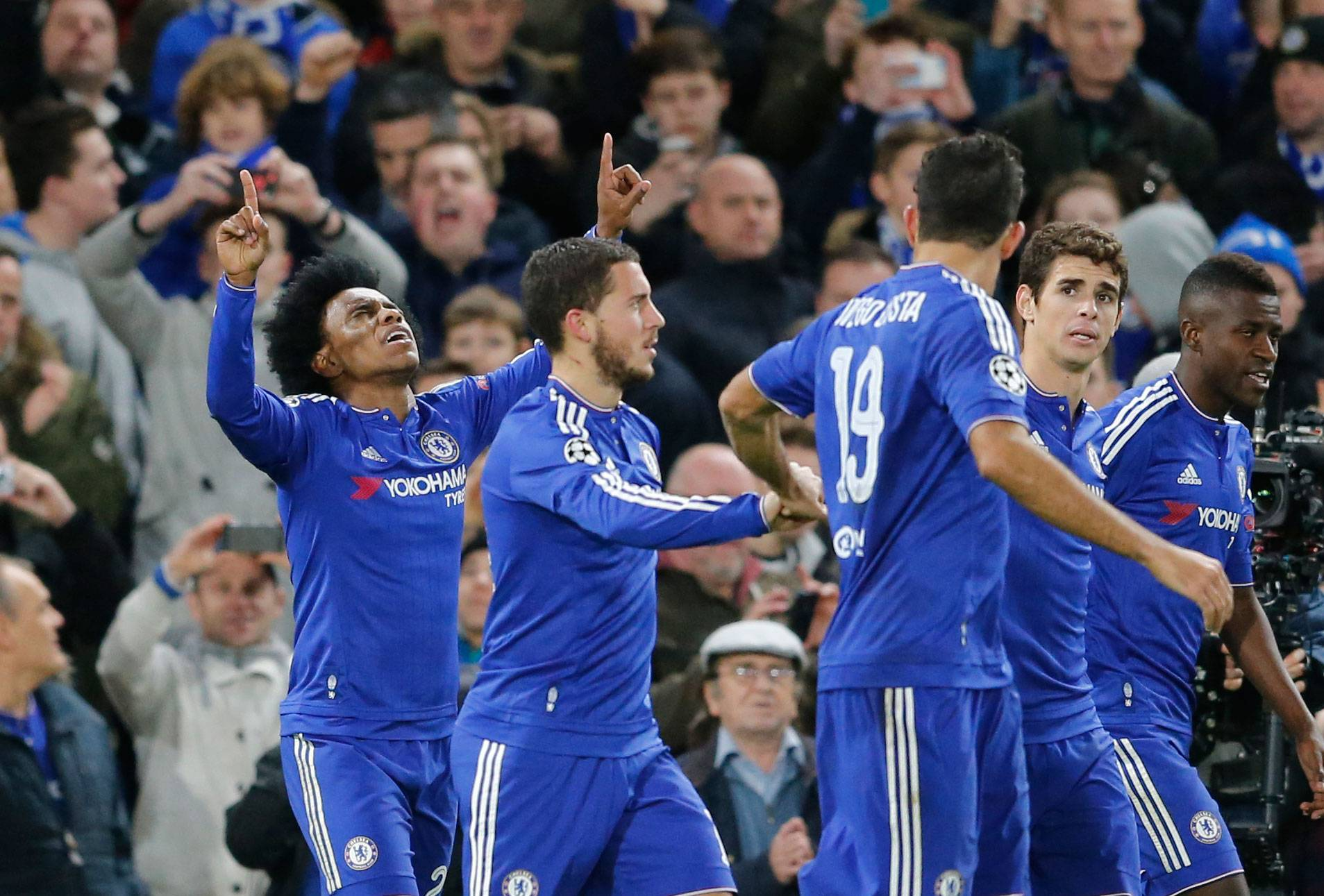 Arsenal, Chelsea, Roma advance in Champions League