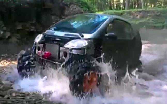 Man converts smart car into an off-road car