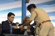Kolkata cops serve refreshments to Mamata, guests at administrative meet