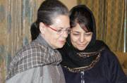 Sonia-Mehbooba meet sparks speculation on PDP plans