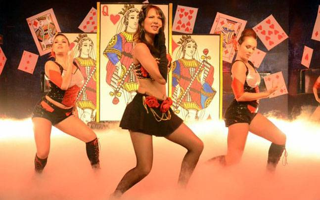 Rochelle performing at the Bigg boss 9 grand finale. Picture courtesy: Colors