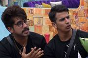 Bigg Boss 9 finale: Win the trophy or I won't let you enter the house, says Suyyash to Prince
