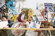 Delhi Police thrashes student protesters, no women cops during crack down