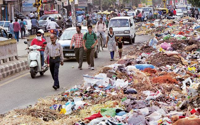 Garbage pile in New Delhi