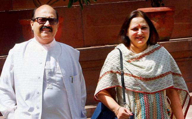 Expelled MPs Amar Singh and Jaya Prada.