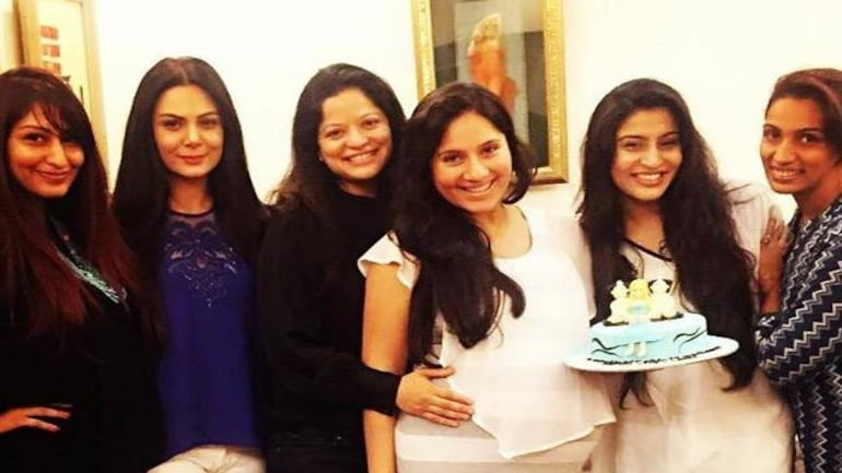 See Pics Kanchi Kaul S Friends Throw Surprise Baby Shower For Her Television News