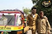 Manish Paul turns autorickshaw driver; makes each ride entertaining by mimicking SRK, Aamir, Salman