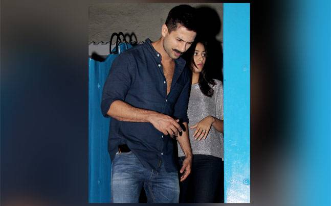 Photo of the day: Shahid Kapoor's dinner date with wife Mira Rajput