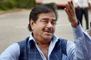 Stop commenting on Kanhaiya, nobody takes you seriously: Bihar BJP MP to Shatrughan Sinha